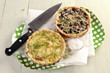 Red and white cabbage tarts with cheese