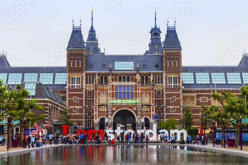 Plakát, Obraz Amsterodam, Nizozemsko. Na náměstí před muzeem Státní