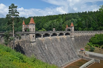 the dam les kralovstvi