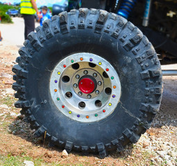 4x4 wheel - colors screws