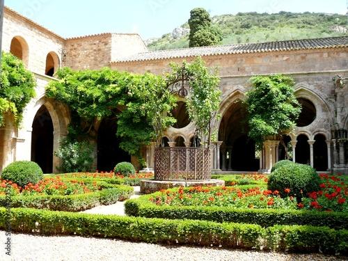 Abbaye de Fontfroide - 68792352