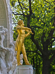 Statue of famous composer Johann Strauss at Stadtpark, Vienna
