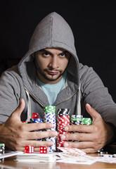 Winning the pot in poker