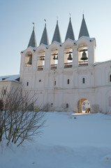 Вид на звонницу Тихвинского Успенского мужского монастыря