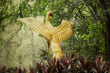 peacock gold Statue