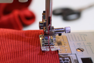 Sewing on an electric sewing machine