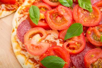 Die Pizza ist serviert