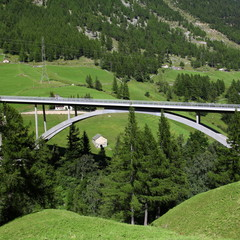 Viaduque: Suisse-Italie par le col du simplon.