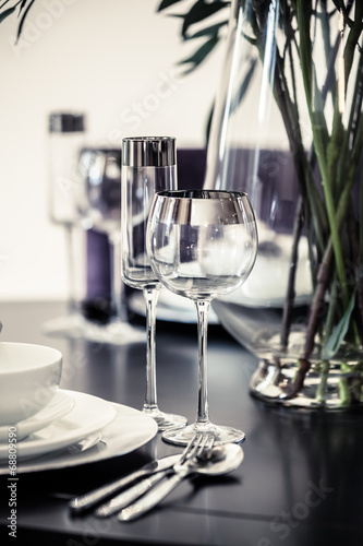 In de dag Buffet, Bar table set restaurant
