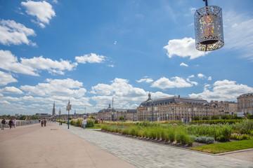 Bordeaux : quais de la Garonne