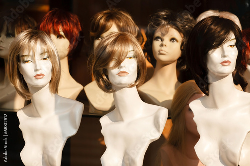 Mannikin heads in a wig store - 68812912