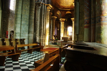 Intérieur de l'Eglise Notre Dame de Poitiers