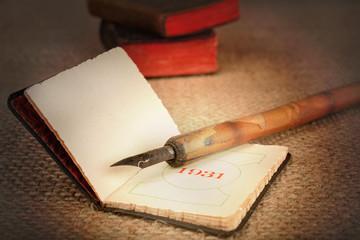 vecchia agendina e penna vintage