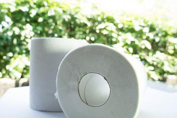 再生紙のトイレットペーパー
