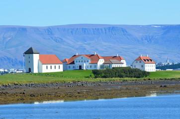 Резиденция президента Исландии в Альфтанесе