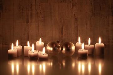 Weihnachtliches Kerzenlicht