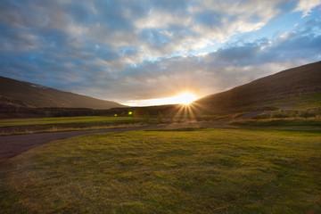 Islanda il sole a mezzanotte