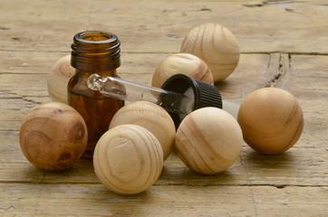 Wooden spheres Esferas de madera Drewniane kule Holzkugeln