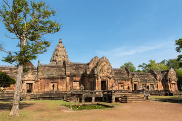 Phanom rung, Sandstone carved castle