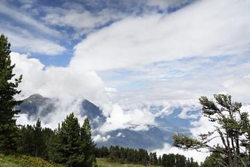 Sommerwolken in den Alpen