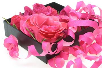 ギフトボックスと薔薇