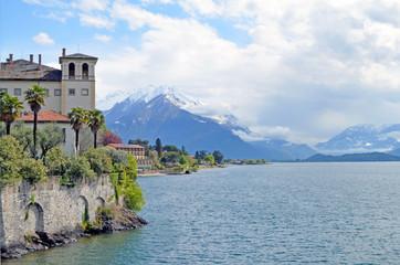 Palazzo Giallo. Lago di Como. Gravedona. Italia