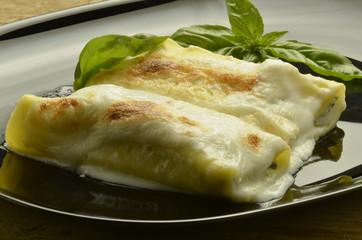 Cannelloni agli spinaci e ricotta Cucina italiana Pêjgeha îtalî