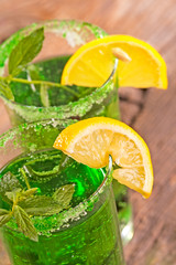 summer mint cocktail