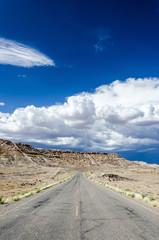 Wüste Straße Wolken
