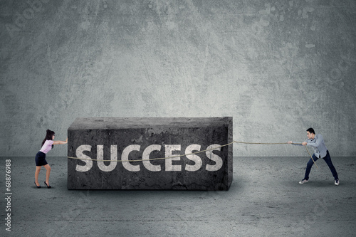 Teamwork move the obstacle of success
