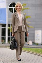 Erfolgreiche, reifere Geschäftsfrau