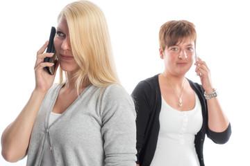2 Mädchen mit Smartphone