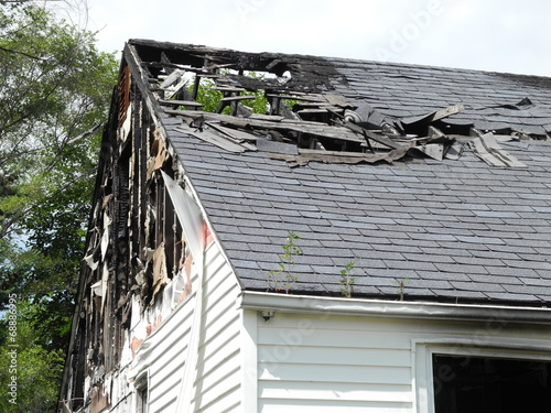 Burned out house - 68886995