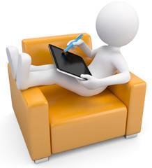 Männchen auf Sessel mit einem tablet