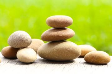 steinturm und steine