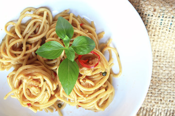 Spicy Spaghetti with Chicken in Chilli paste