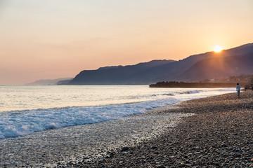 早朝のヒスイ海岸