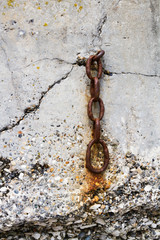 Mooring chain set into concrete