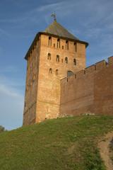 У подножия Дворцовой башни  . Кремль Великого Новгорода