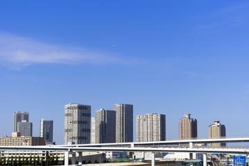 [東京都市風景]東京湾岸エリア高層タワーマンション群と首都高速道路-357