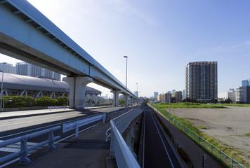 [東京都市風景]東京湾岸エリア 再開発が進む高層タワーマンション群と事業予定地(空地)