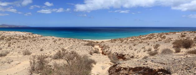 panorama de la côte sauvage de l'île de fuerteventura