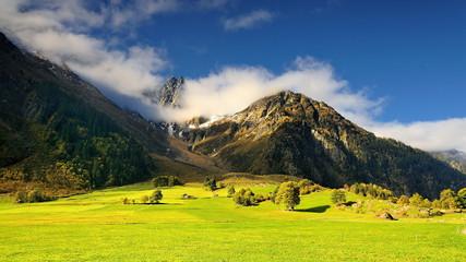 Szwajcarskie Alpy, z widokiem na stok