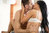 Fototapety lovers kissing
