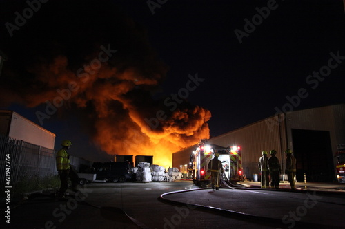 Leinwanddruck Bild large factory fire