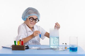 Crazy girl chemist puts experience