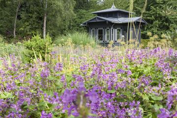 Historischer Pavillon im Botanischen Garten in Augsburg