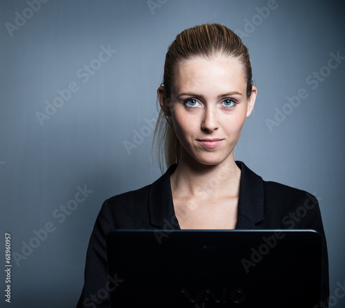 canvas print picture young attractive business woman