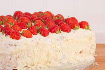 mascarpone and strawberry cake