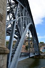 Stahlbrücke Dom Luis über den Douro in Porto